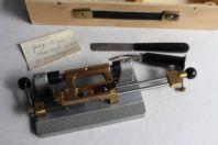 GEORG RIEGER Machine à gratter Taille anches instruments à vent