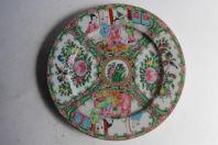 Assiette porcelaine émaillée Chine Famille rose Canton XIXe siècle