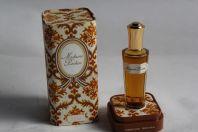 Flacon de parfum Madame ROCHAS