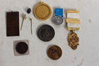 Ensemble 10 Insignes décorations médailles Franc-maçon
