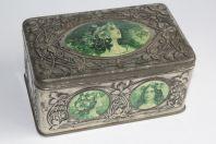 Boîte tôle lithographiée et gaufrée Femmes Art nouveau style Mucha