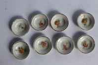 Petites assiettes porcelaine dînette poupées