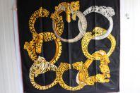 CARTIER Foulard soie anneaux panthères noir