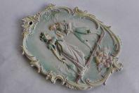 Bas relief porcelaine biscuit romantique