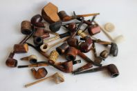 Lot de 26 pipes diverses