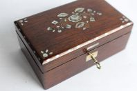 Petit coffret a bijoux nacre XIXe siècle