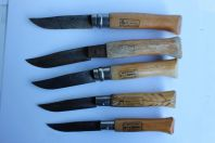 Cinq anciens couteaux OPINEL 6 - 7 - 8 - 9 - 9