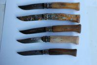Cinq anciens couteaux OPINEL 8 - 9 et sans numero
