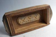 Ancien moule à brique art populaire