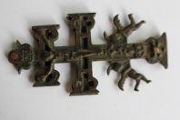 Croix patriarcale ou archiépiscopale - croix reliquaire de Caravaca