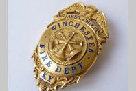 "Badge  Obsolete pompiers "" FIRE DEPT WINCHESTER "" États Unis"