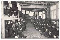 CPA GUERRE 1914-18 Prisonniers Français Allemagne Intérieur d'un dortoir